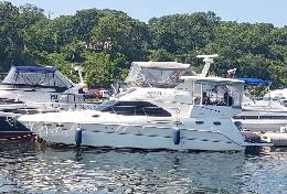 Added yacht Sea ray 42